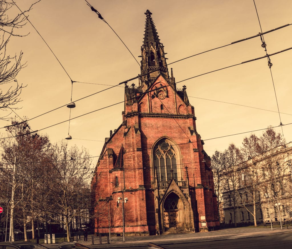 vertorama church