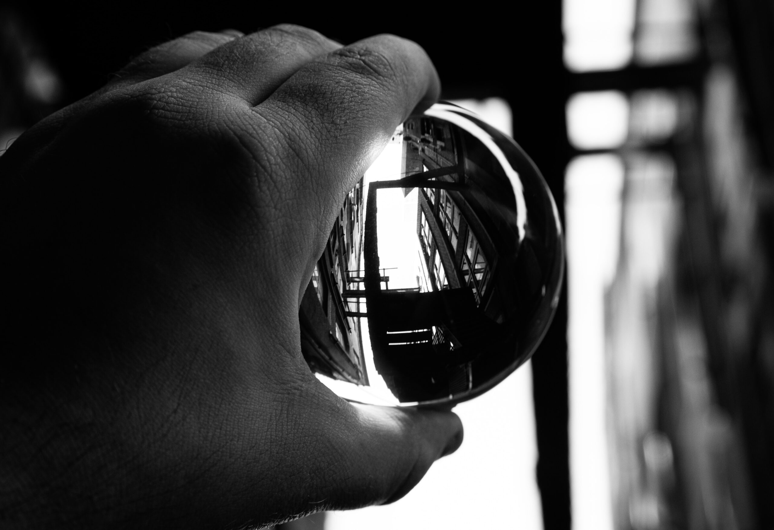 How to use a crystal ball in photography