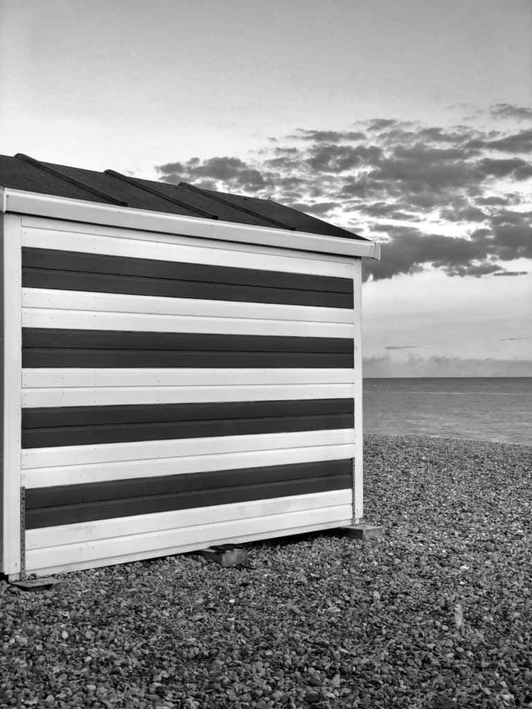 How to convert a photo in black and white using your iPhone