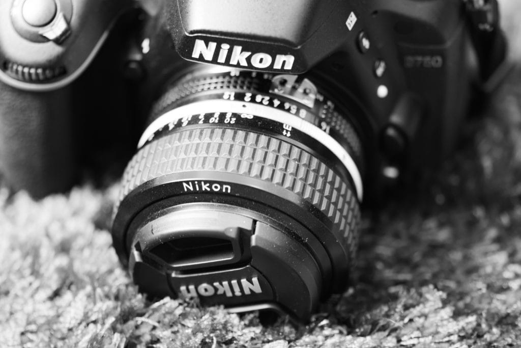 50mm prime vs 50mm in a zoom lens, which is better?