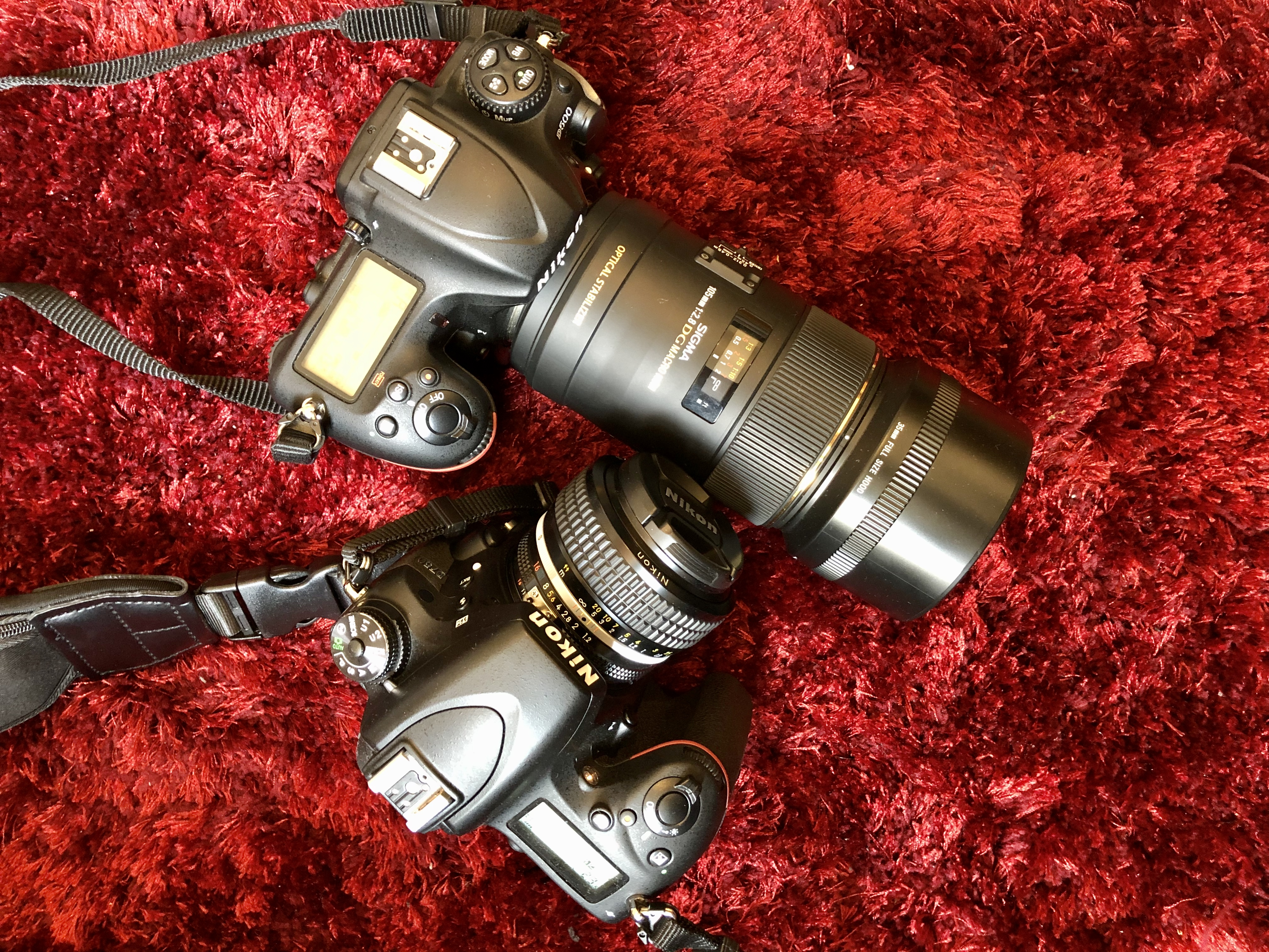 50mm lens vs 105mm lens which one is better?